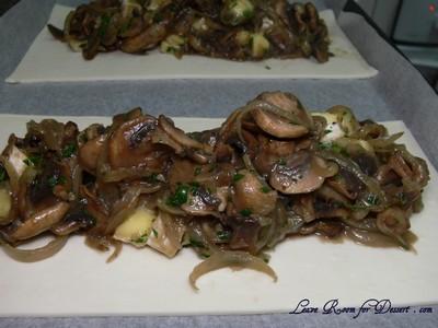 mushroomcheesestrudel06