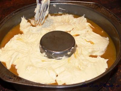 ButterscotchSurpriseCake01