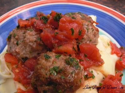 TomatoMeatballsHomemadePasta01