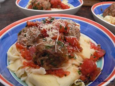 TomatoMeatballsHomemadePasta02